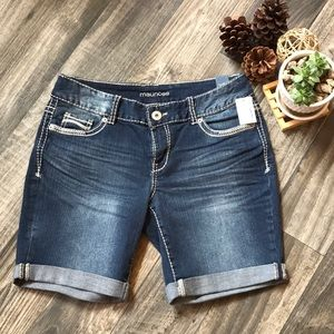 """NWT- Maurices """"Kaylee"""" Cuffed Shorts -5/6"""
